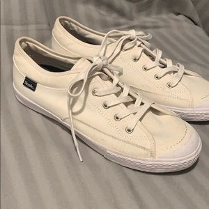 Men's Simple all white shoes 10 NWT